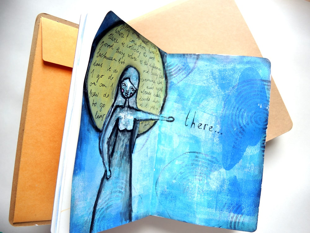 Dylusions Journals http://iris-impressions.com/2015/09/the-dylusions-journal-by-art-journal-reviews/